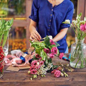 Come regalare fiori a distanza? Il servizio a domicilio