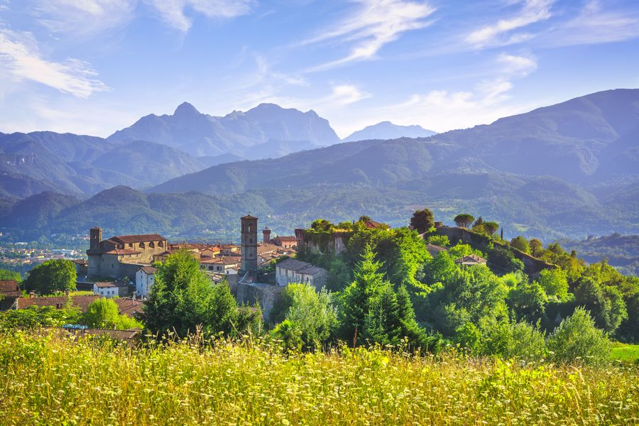 Agriturismo in Garfagnana con piscina: storia, natura e antichi borghi in Toscana