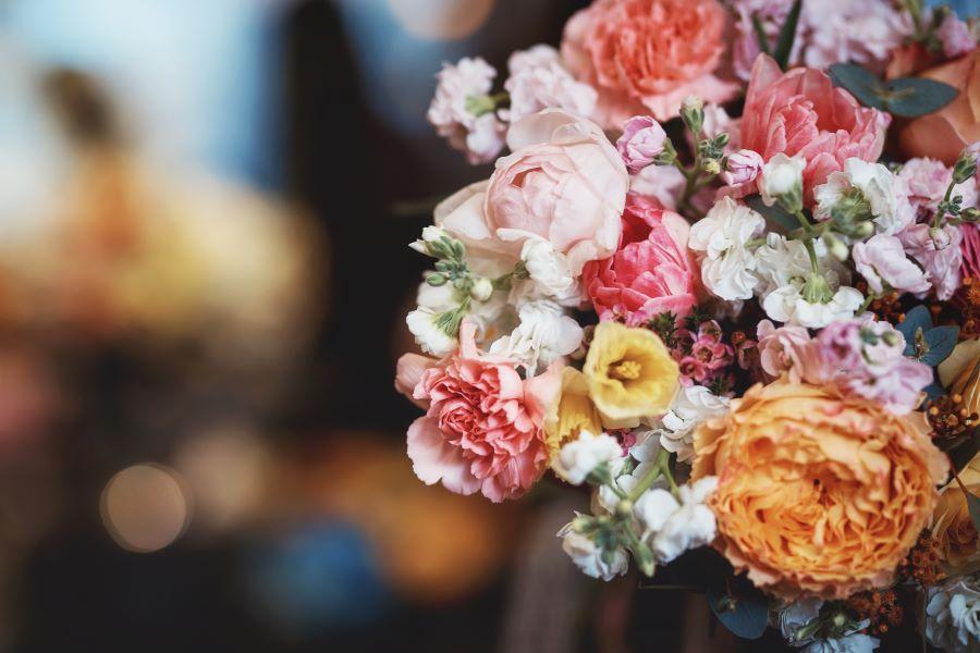 Scegli la bella abitudine dell'invio fiori a domicilio