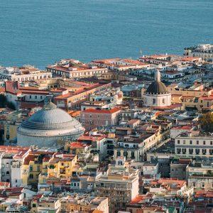 Prenota subito una casa vacanze con terrazza a Napoli centro